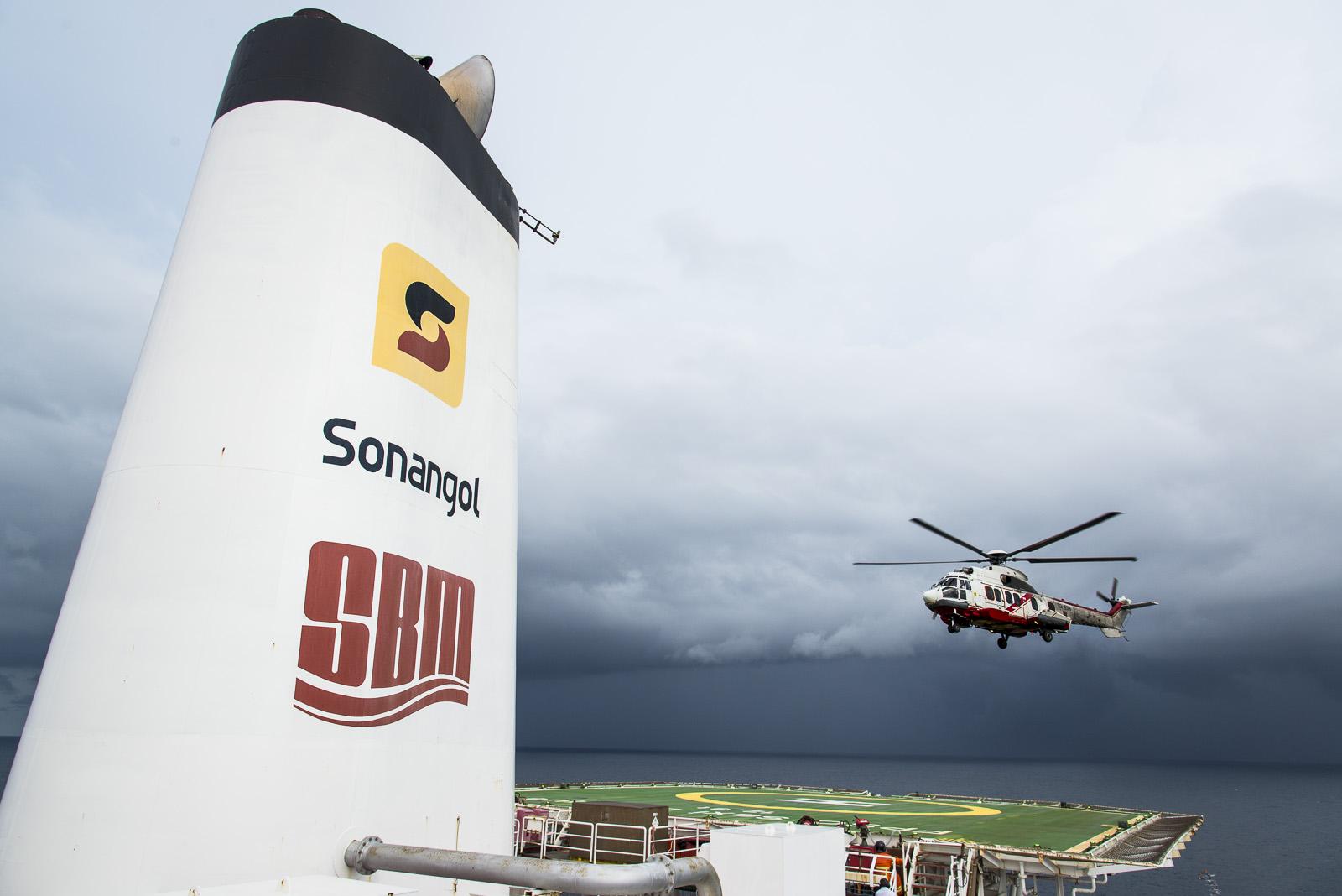 OPS Saxi Batuque Angola reportage photo entreprise industrielle